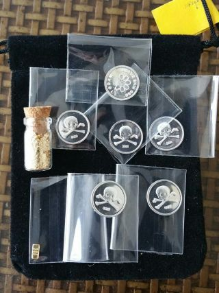 1/10 Gram.  999 Gold And 6 Gram.  999 Silver With Gold Leaf Vial photo