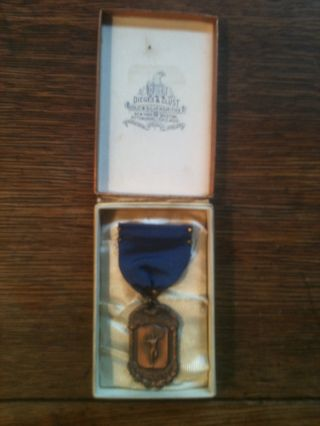 1933 George W.  Thompson Assoc.  Dieges & Clust High Jump Medal Ribbon Box photo