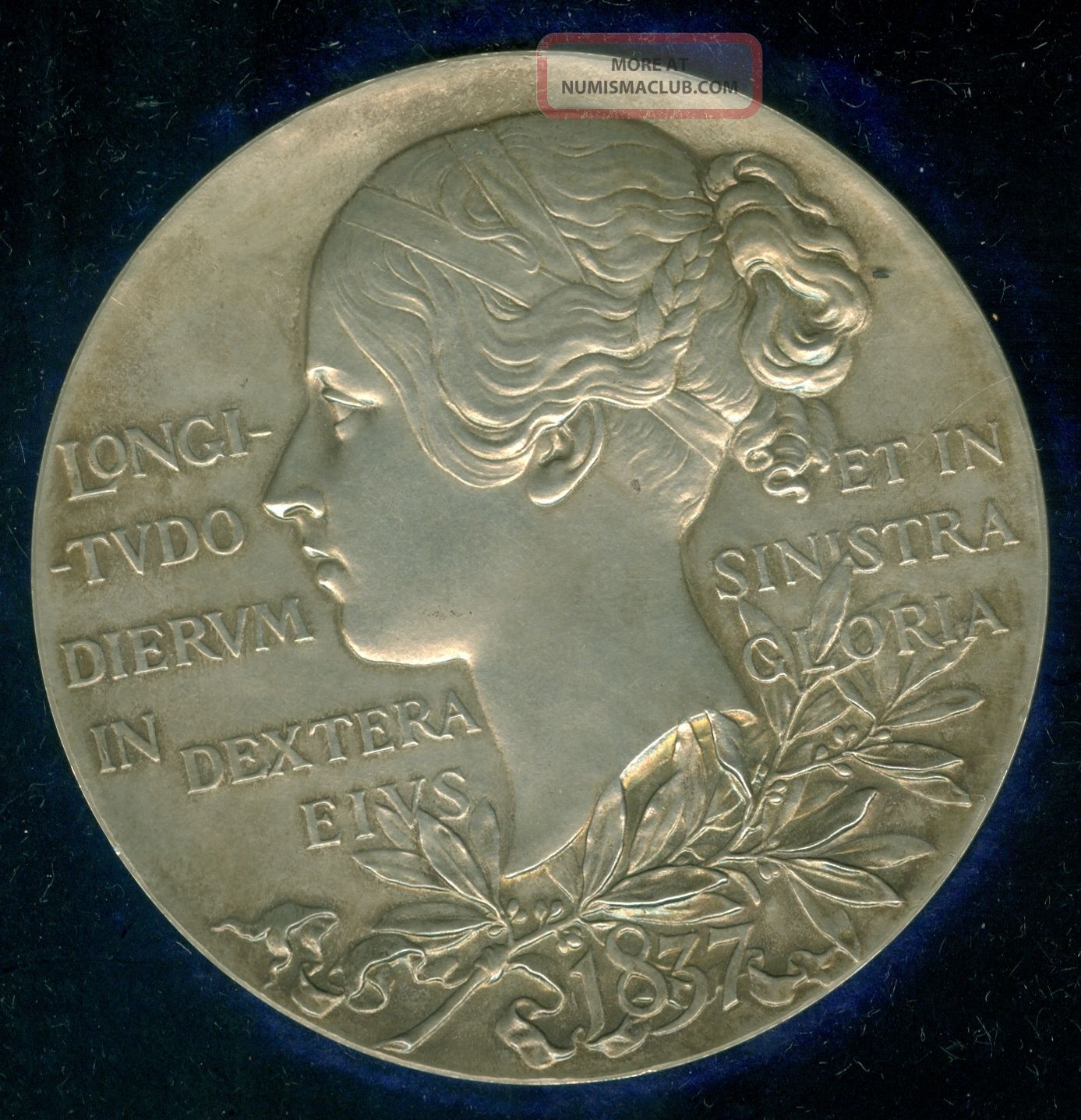 1897 Queen Victoria Diamond Jubilee Large Silver Medal By Royal,  De Saulles Exonumia photo
