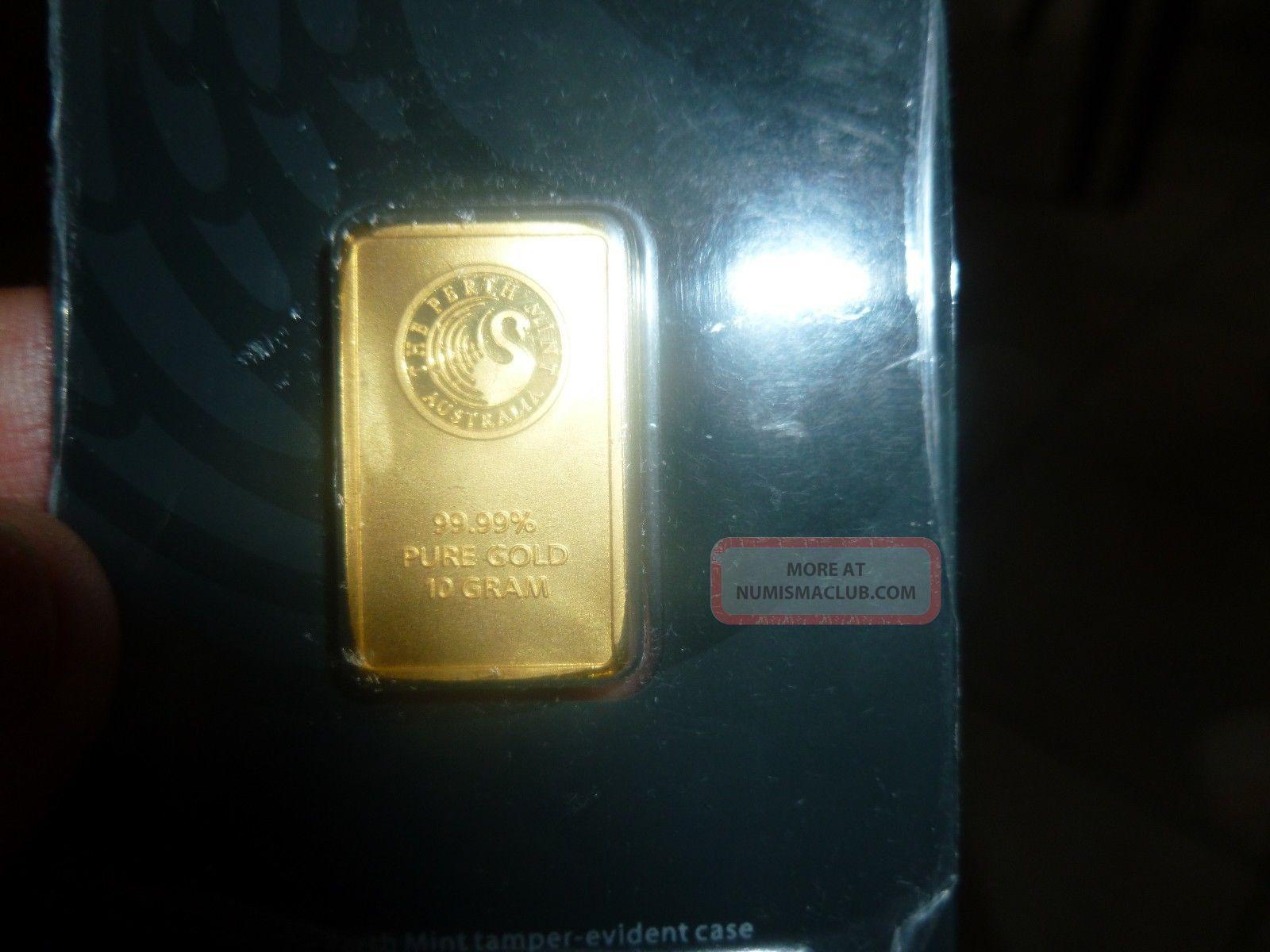 Gold Bar 10 Grams Perth 99.  99 Solid Gold Gold photo