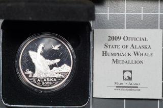 2009 Alaska 1 Oz 0.  999 Fine Silver Humpback Whale Medallion photo