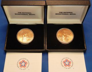 U.  S.  National Bicentennial Commemorative Medal - 1776 - 1976 photo