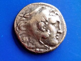 40.  Alexander The Great,  The King Of Macedonia,  Ar Tetradrachm,  17,  42g; 26,  8mm photo