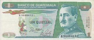 Guatemala 1988 1 Quetzal Banknote Prefix B.  L Billete Serie B.  L photo