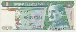 Guatemala 1988 1 Quetzal Banknote Prefix B.  N Billete Serie B.  N photo