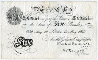 Great Britain 1939 Issue Bank Of England 5 Pounds Rare Note,  Crisp.  Pick 335a. photo