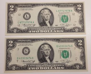 (2) 1976 Us 2 Dollar Bill Note Green Seal Crisp Uncirculated photo