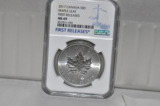 2017 $5 Canada 1oz Silver Ngc Ms69 Maple Leaf Fr photo