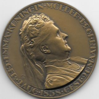 1934 Dutch Medal Issued To Honor Emma,  Queen Mother,  Upon Her Death photo