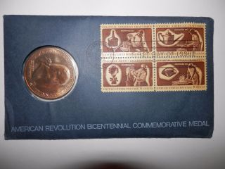 American Revolution Bicentennial Commemorative Medal 1972 First Day Issue July 4 photo