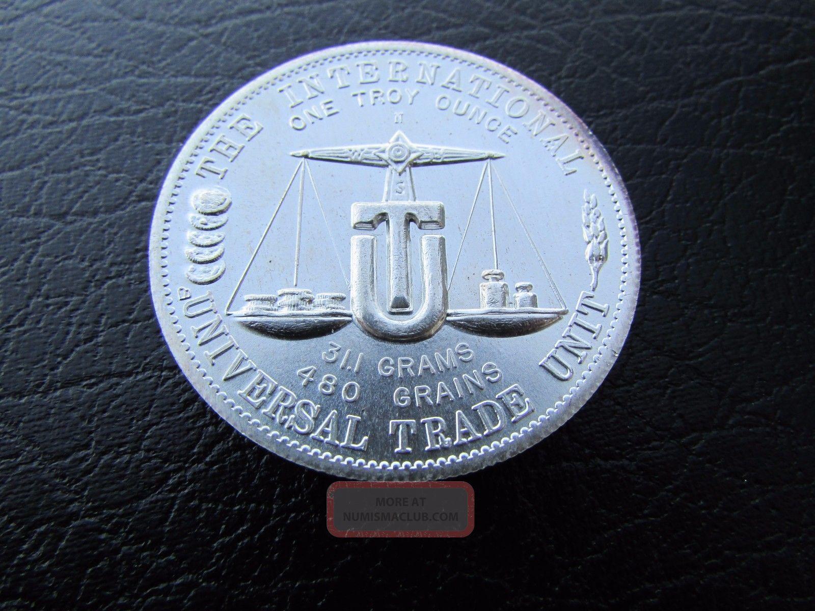Vintage 1974 1 Oz Silver International Universal World