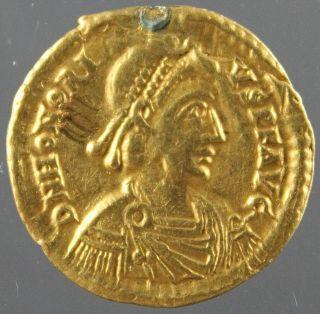 Honorius,  Solidus,  Gold,  Bound Captive,  Victory On Globe,  Ravenna,  402 - 406 Ad photo