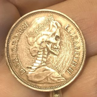 1981 Hand Carved (hobo Nickel Style) 2 Pence Queenie Skull,  Rare photo