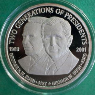 2001 Two Generations Of Presidents George Bush 1 Oz.  999 Fine Silver Coin,  Box photo