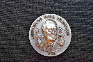 Longines Symphonette Sterling Silver Roosevelts Four Freedoms Medal 1941 photo