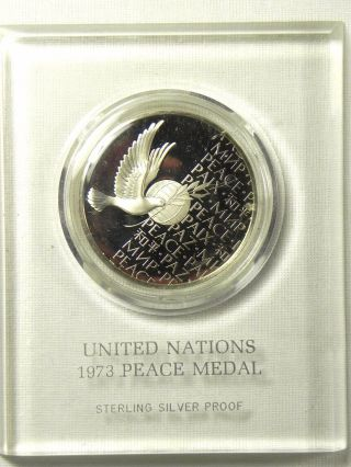 Vintage 1973 Un Peace Medal Sterling Silver Proof Frosted Relief Historic Coin photo