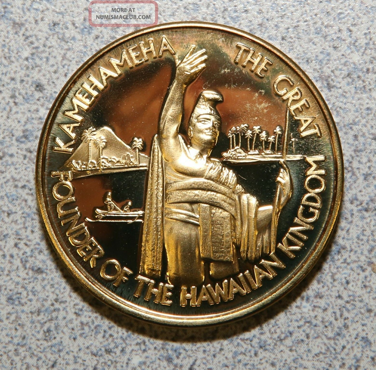 2m - 59 1976 Captain Cook Hawaii King Kamehameha Token Medal 39mm Bright Bronze Exonumia photo